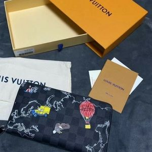 Authentic Louis Vuitton zippy wallet